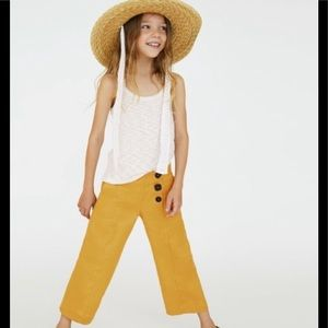 Super cute mustard linen cropped pants! Never worn